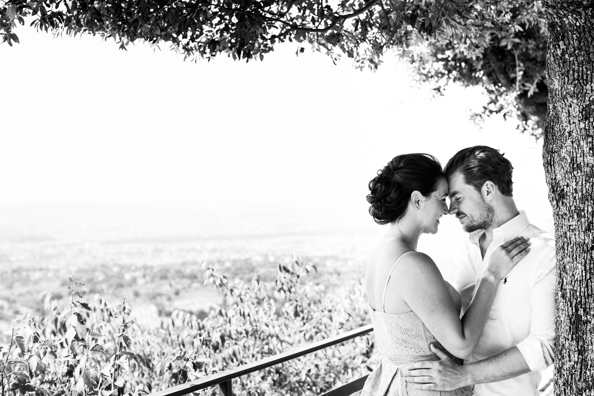 Bride and groom engagement shoot in Florence, Tuscany