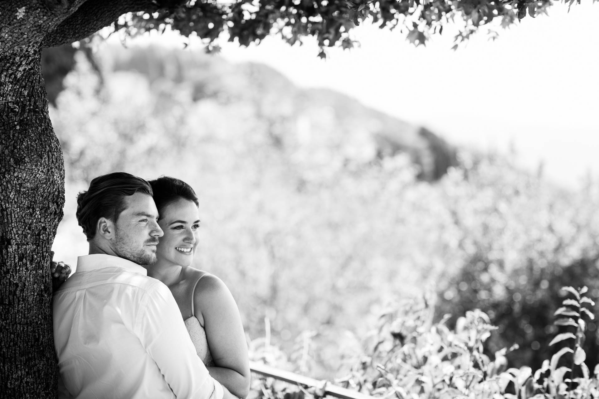 Bride and groom's pre-wedding shoot in Tuscay, Italy